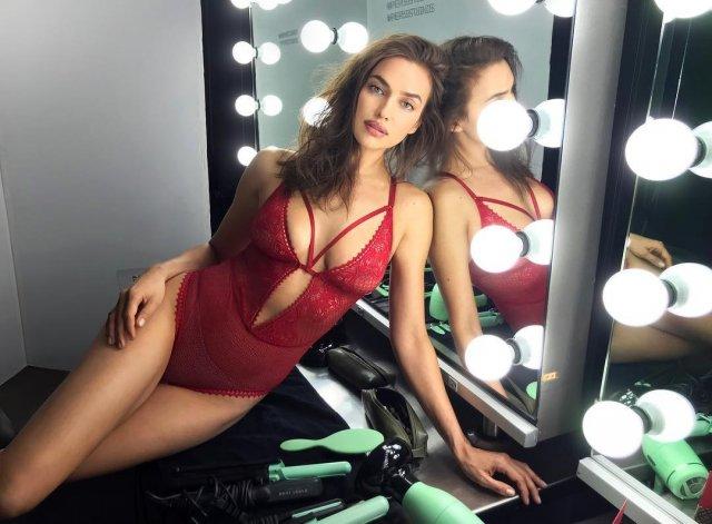 Ирина Шейк в красном боди