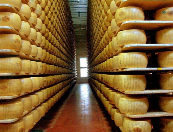 В Италии банки выдают кредиты под залог сыра пармезан