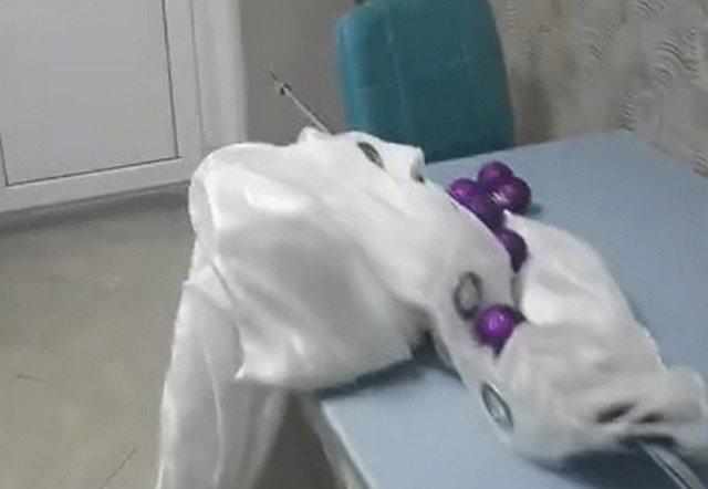 Семья из Саратова обнаружила в квартире после праздников военную ракету СХТ-40