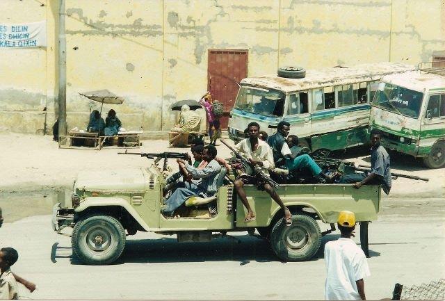Патруль сомалийских боевиков на джипе
