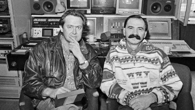 Юрий Стоянов и Илья Олейников на съёмках передачи  «Городок» 1994 год.