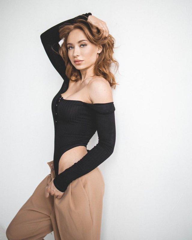 Мария Соколова: вице-чемпионка Европы и России по фитнес-бикини в черной кофте