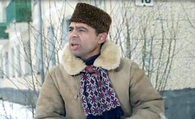 Василий Алибабаевич из «Джентльмены удачи» посоветовал МЧС, как убирать снег