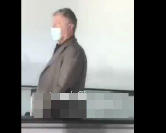 Ветеран АТО встретил в аэропорту бывшего президента Украины Петра Порошенко