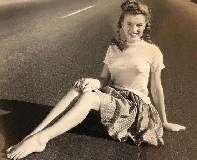 Юная Мэрилин Монро, 1947 год.