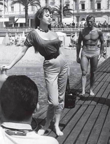 Брижит Бардо в Каннах. Франция, 1955 г.