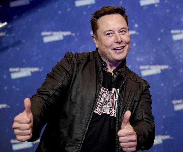 Компания SpaceX была создана Илоном Маском 19 лет назад