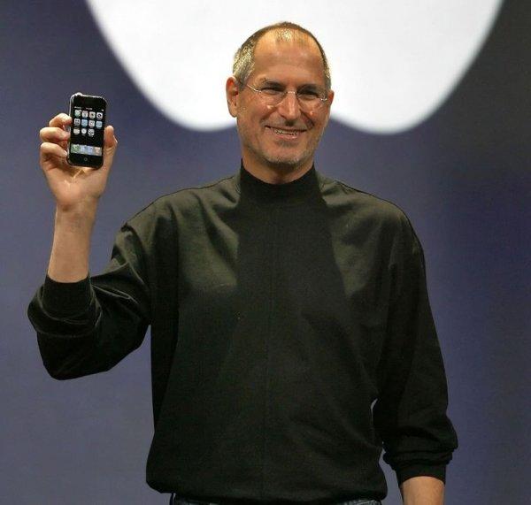 Первый iPhone поступил в продажу 14 лет назад