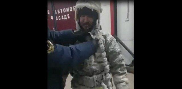 Как работают пожарные в Якутии при -52 градусах