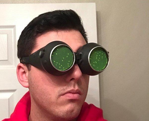 Очки ночного видения зелёные