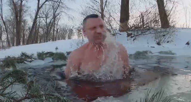Виталий Кличко и его бодрое морозное утро