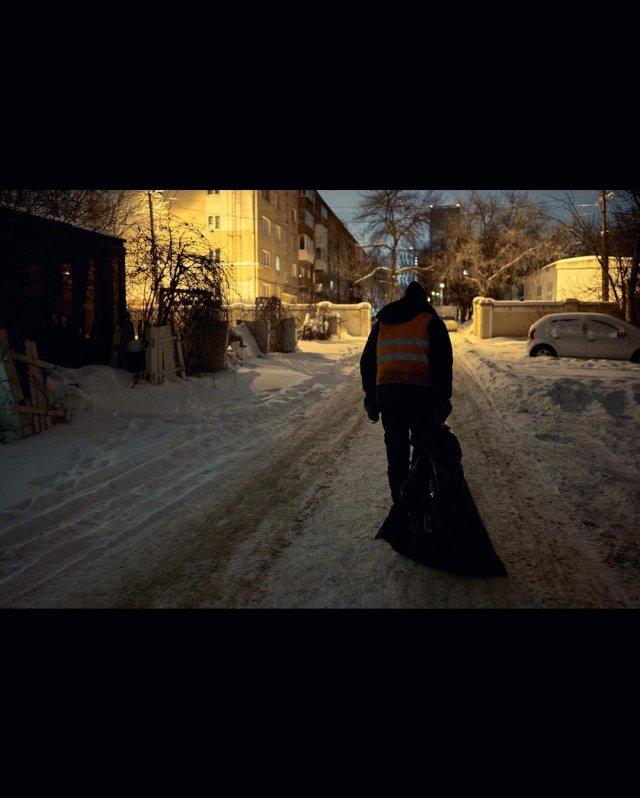 Дворнику-инвалиду Юрию Ветлугину из Уфы устроили фотосессию и помогли собрать деньги на выплату долг