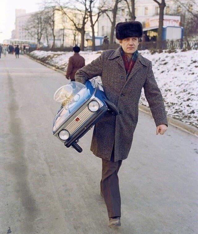 Игрушечный автомобиль - мечта детей СССР, 1974
