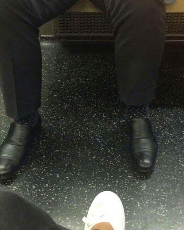 В метро обнаружен человек-невидимка