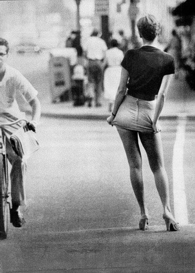 Мини-юбка, сентябрь 1956 года.
