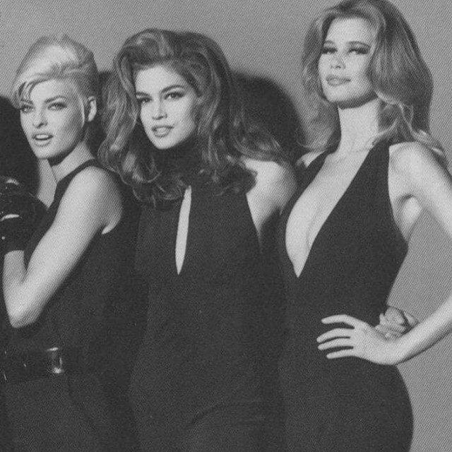 Иконы стиля, красоты, женственности и сексуальности — Линда Евангелиста, Синди Кроуфорд и Клаудия Шиффер, 1991 год.