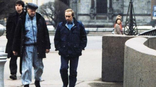 Мэр Санкт-Петербурга Анатолий Собчак и Владимир Путин. Россия. 1990-е.
