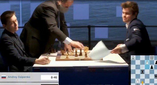 18-летний российский шахматист Андрей Есипенко обыграл чемпиона мира Магнуса Карлсена