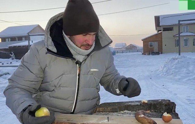 В Якутии при -55 молоток не нужен
