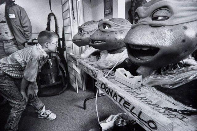"""Головы черепах-ниндзя на съёмках фильма """"Черепашки-ниндзя III"""", 1993 год."""