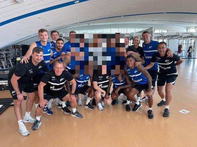 """Фото дня: Уилл Смит присоединился к тренировке футбольного клуба """"Зенит"""" в Дубае"""