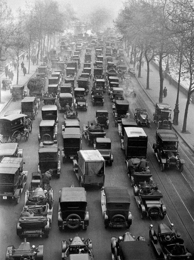 Пробка в Лондоне, 1926 год.