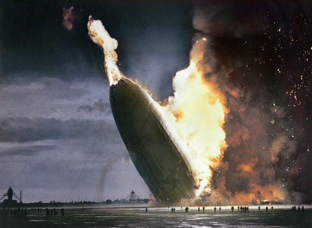Взрыв дирижабля «Гинденбург» ознаменовал конец эпохи дирижаблестроения и начала крупных коммерческих авиарейсов самолетами, Нью-Джерси 1936 год