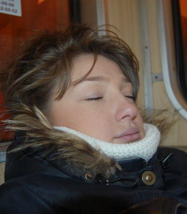 Настя Ивлеева архивные фото спит в метро