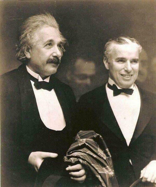 Альберт Эйнштейн и Чарли Чаплин встрeтились в 1931 году