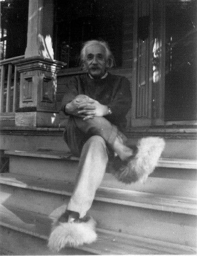 Альберт Эйнштейн, во время работы над квантовой теорией света. 1908 г.