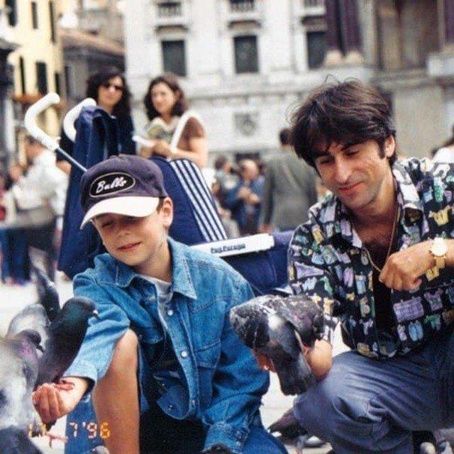 Тринадцатилетний Кирилл Толмацкий «Децл», со своим отцом Александром, 1996 год.