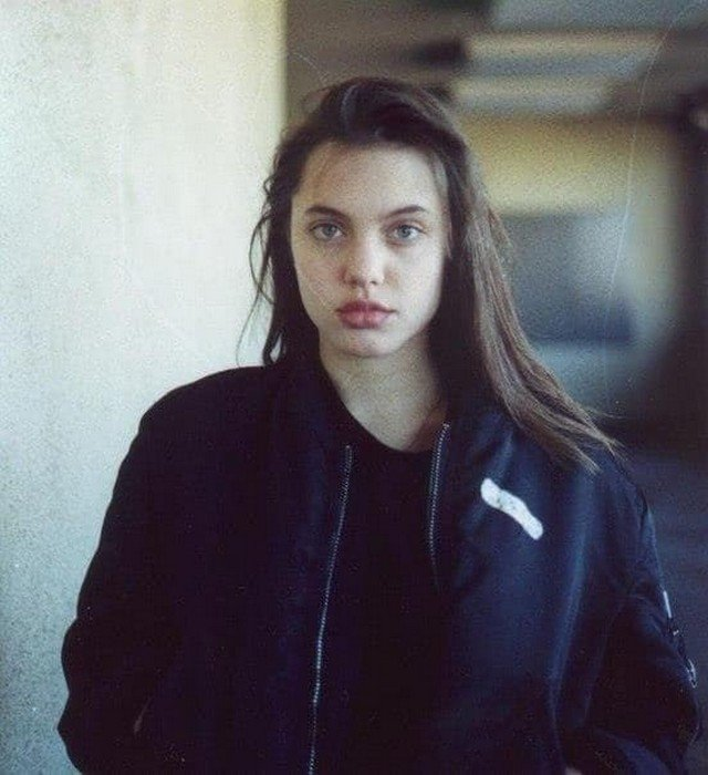 Анджелина Джоли, США, 1990-е.