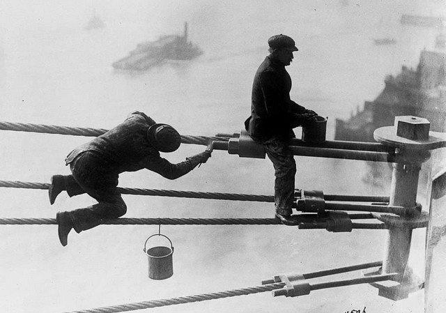 Покрасочные работы на Бруклинском мосту, 3 ноября 1915 года.