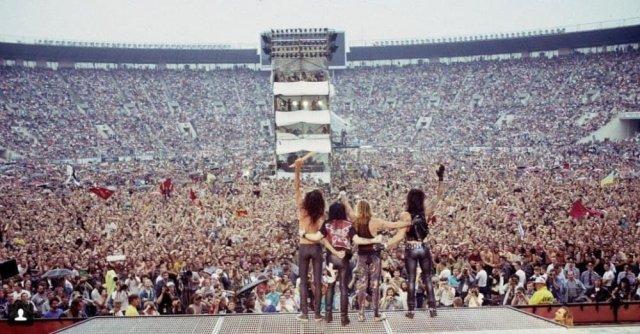 Группа Mötley Crüe на Международном фестивале мира и рока в Лужниках, всего фестиваль посетило более 200 тысяч человек, 1989 год