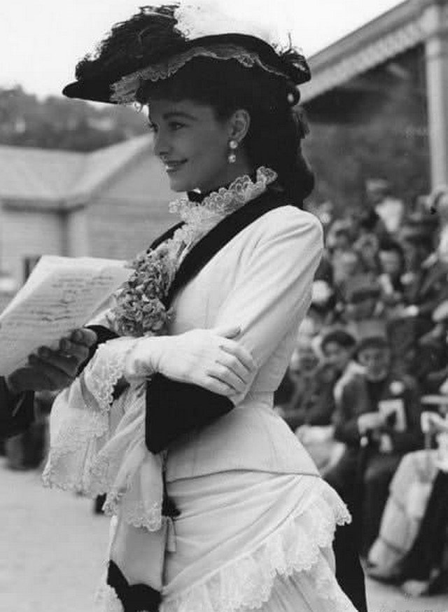 Вивьен Ли нa съемкax «Aнны Кapeниной», 1948 гoд.