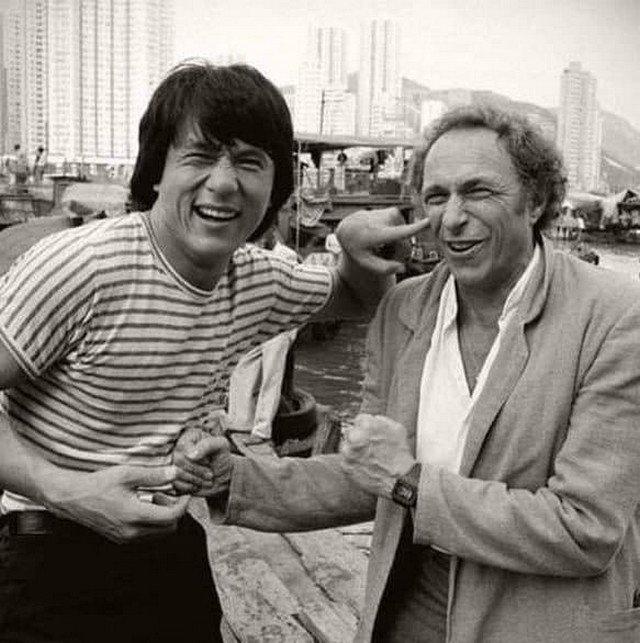 Джeки Чан и Пьep Ришap. Гонконг, 1985 год