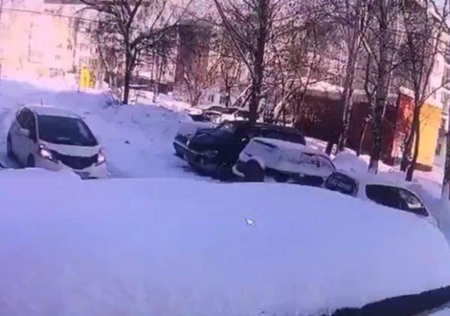 Не оставляйте машину под подъездом