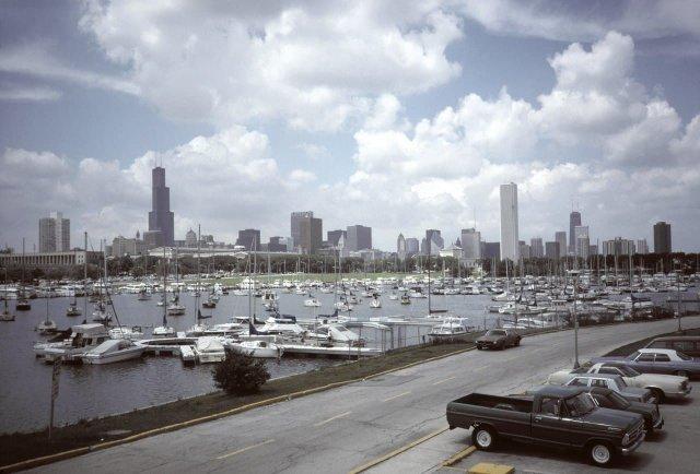 Вид на Чикаго из гавани Бернем, 1984 год.
