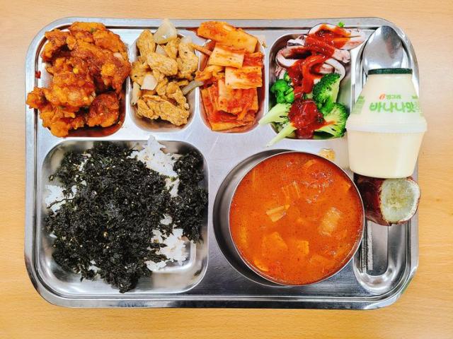 Корейский школьный обед