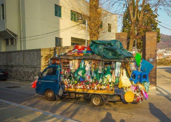 Во многих городах можно встретить такие магазинчики на колесах