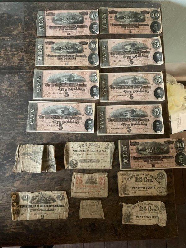 Я нашёл их сложенными в секретном ящике, спрятанном в моём доме 1885 года