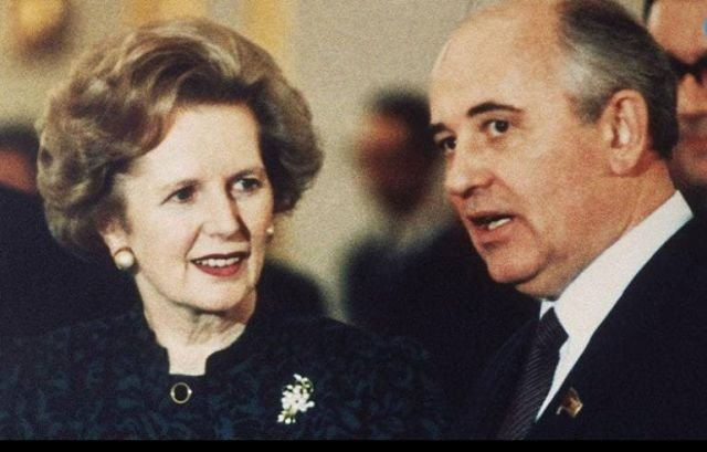 Генеральный секретарь ЦК КПСС Михаил Горбачев налаживает контакт с премьер-министром Великобритании Маргарет Тэтчер, 1987 год.