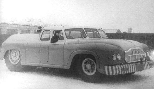 Аэродромный тягач МАЗ-541 — самый крупногабаритный седан в мире. Сделано в СССР.