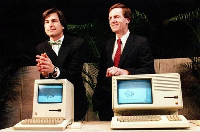 Стив Джобс и Джон Скалли представляют компьютеры Macintosh и Lisa 2, США, январь 1984 года.