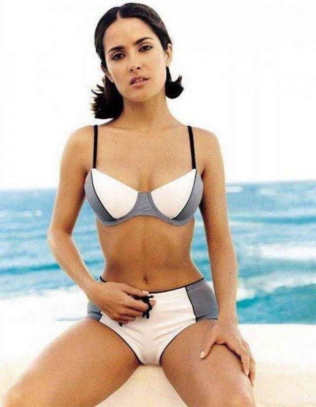 Сальма Хайек в рекламе бикини, 1999 год.