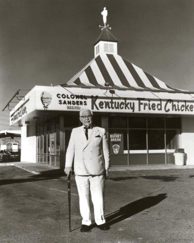 Полковник Сандерс и первый KFC