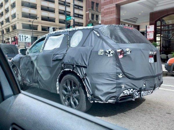 Так новые, ещё не выпущенные модели автомобилей, тестируют в городе