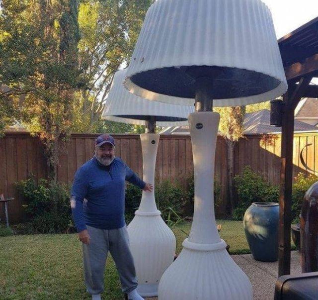 огромные светильники