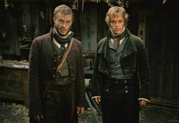 Мэтт Деймон и Хит Леджер должны были играть противоположные роли в «Братьях Гримм»