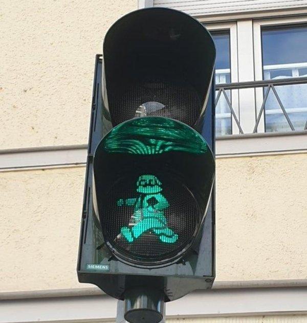 Светофор с Карлом Марксом в Трире, Германия